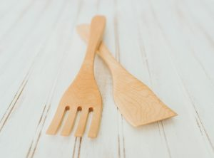 14-inch large maple salad utensil set