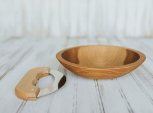 9 inch Beech Chopping Bowl & Mezzaluna Knife Set with Bee's Oil Finish