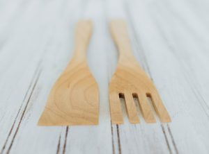 9 inch Beech Salad Utensil Set