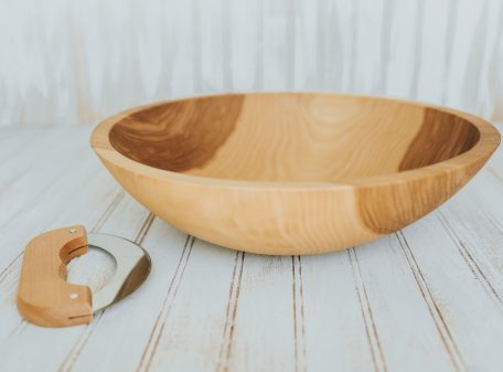 Beech Wood Chopping Bowl with mezzaluna knife