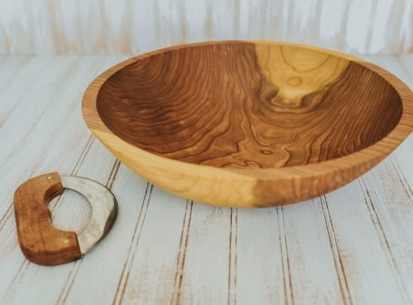 Cherry Wood Chopping Bowl with mezzaluna knife