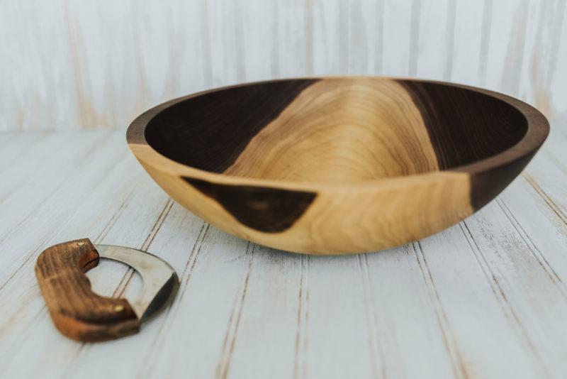 Walnut Wood Chopping Bowl with mezzaluna knife