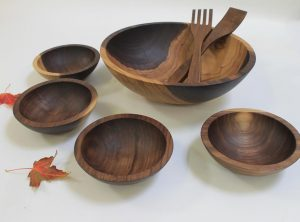 15 inch Walnut Bowl Set – Bee's Oil Finish
