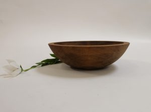 7 inch Beech Bowl – Dark Walnut & Bee's Oil Finish