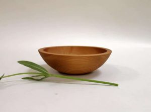 7 inch Beech Bowl – Light Walnut & Bee's Oil Finish