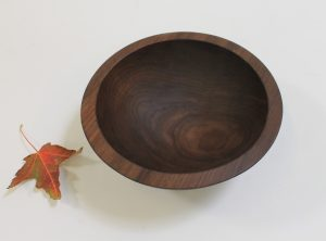 8 inch Walnut Bowl – Bee's Oil Finish