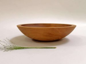 9 inch Beech Bowl – Light Walnut & Bee's Oil Finish